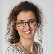 Portraitfoto Roswitha Sandwieser